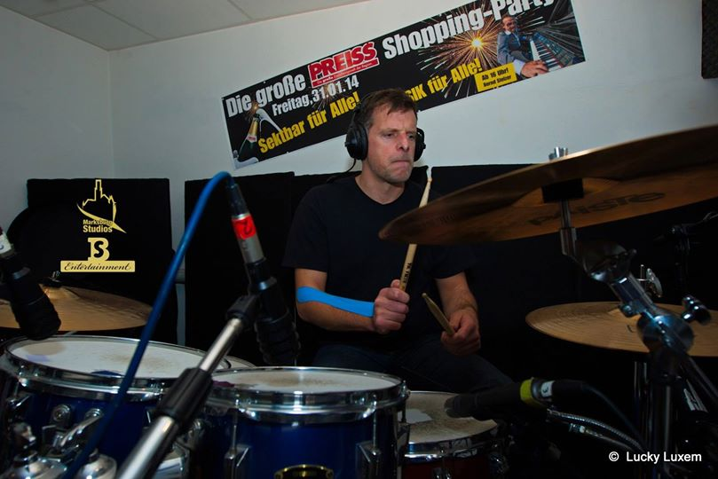 Alex Sauerländer on drums